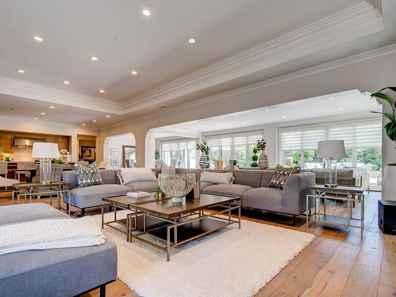 Beautiful 6,244sqft SoCal Luxury Vacation Home, holiday rental in Tustin