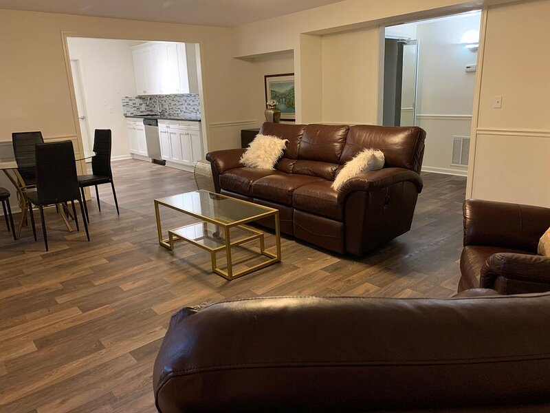 Cozy, private, newly renovated garden apartment, alquiler de vacaciones en Duluth