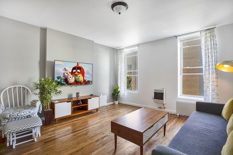 Charming 1BR - 15min to NYC, vacation rental in Hoboken