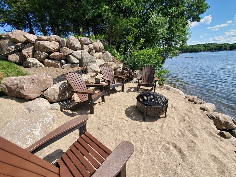 Sunset Point on Sugar Lake-Brand New Home-Super clean!, holiday rental in Waite Park