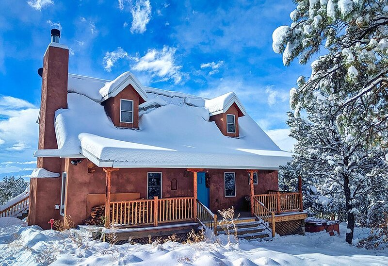 ★ Taos Private Luxury Home- Ski, Hike, Great Mt. Views, Fireplace, Peaceful – semesterbostad i Arroyo Seco