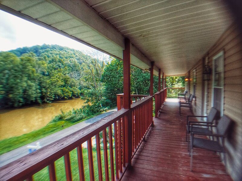 Riverfront | Kayaks & Canoes | Smart TV | Wi-Fi, location de vacances à Abingdon