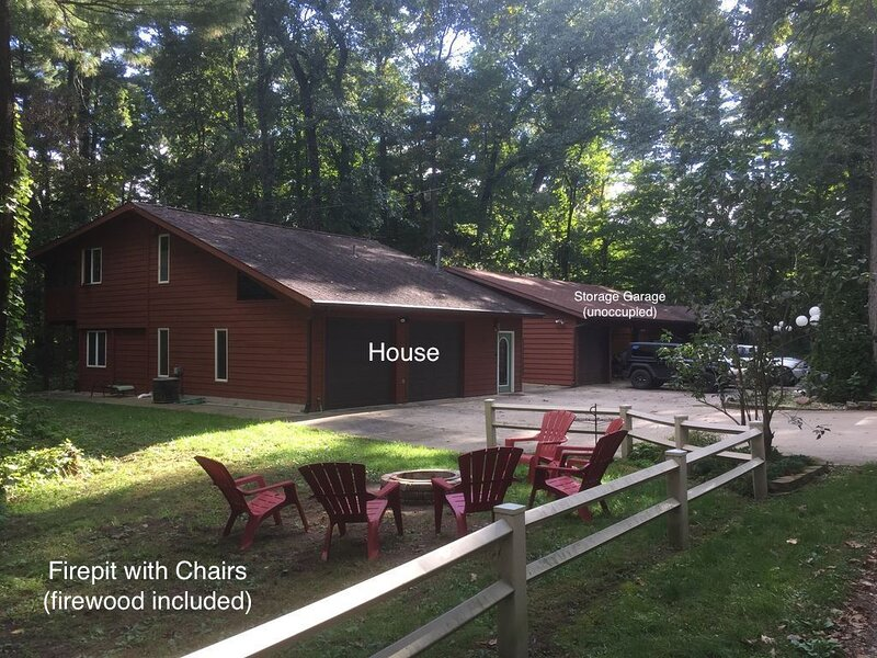 Chic Guest House Retreat, holiday rental in St. Joseph County