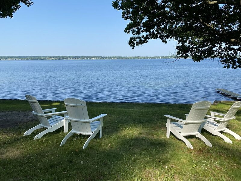 Newly Renovated Lakefront Property, holiday rental in Ridgemont