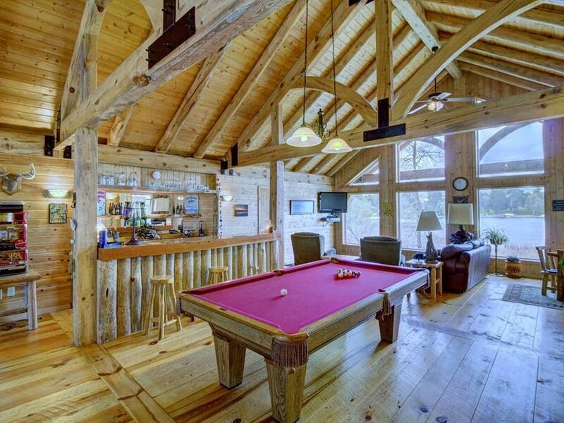 1009 Bear Pth Loft   · Soaring MN Lake/River getaway, boat, kayak, swim!, location de vacances à Park Rapids