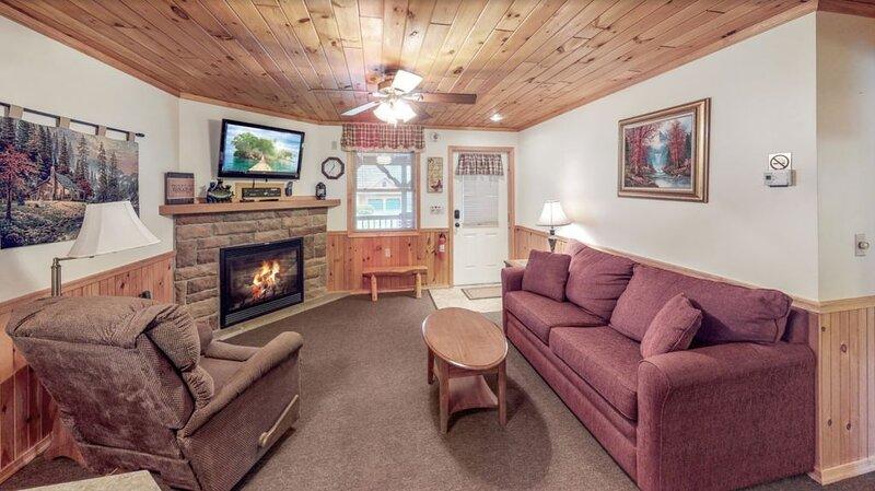 Rough Cut Lodge - Suite 4, location de vacances à Wellsboro