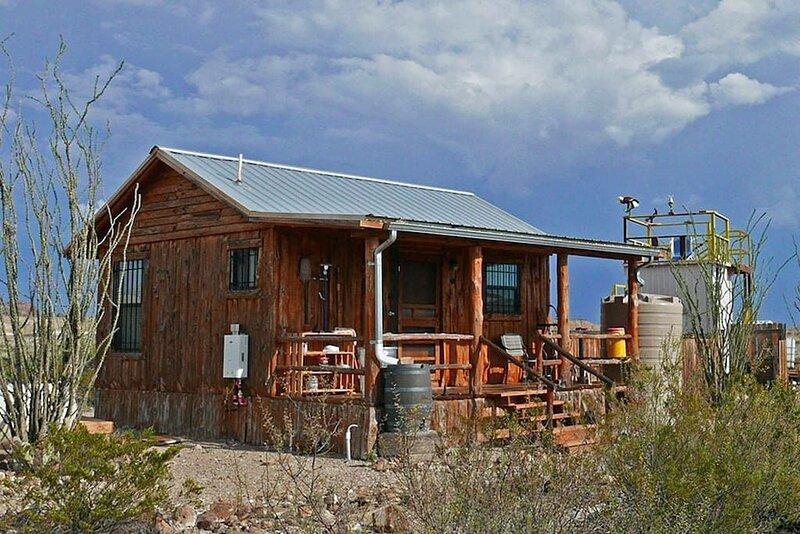 Big Bend Observatory: Private Observatory, SkyDeck, holiday rental in Big Bend National Park