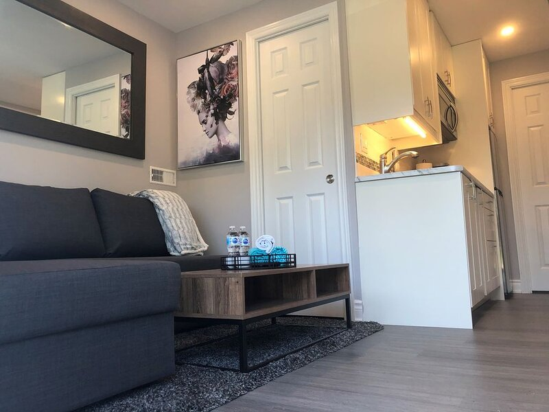 Niagara Luxury - Cozy Tiny Home Suite by the River, vacation rental in Port Colborne