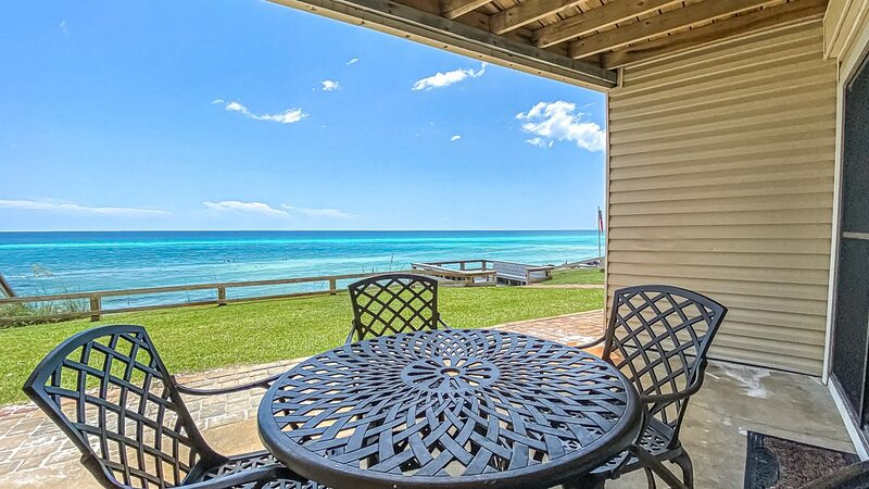 `Mermaid Cove` 30A Seacrest Beach GULF FRONT Vacation Rental + Pool + FREE BIKES, holiday rental in Seacrest Beach