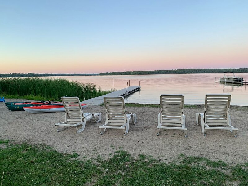Potato Palace ~ Lakeside Condo - Now booking snowmobiling and fishing getaways!, casa vacanza a Park Rapids