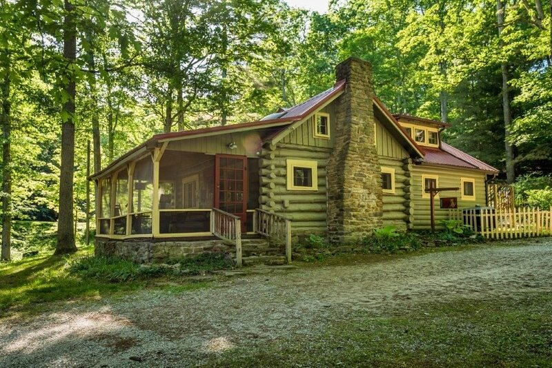 Sanctuary Vacation Log Cabin, alquiler de vacaciones en Nashville
