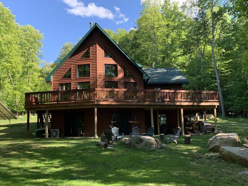 New 'Green' Home - High Peaks, Keene, Keene Valley, Whiteface, Lake Placid, alquiler de vacaciones en Keene
