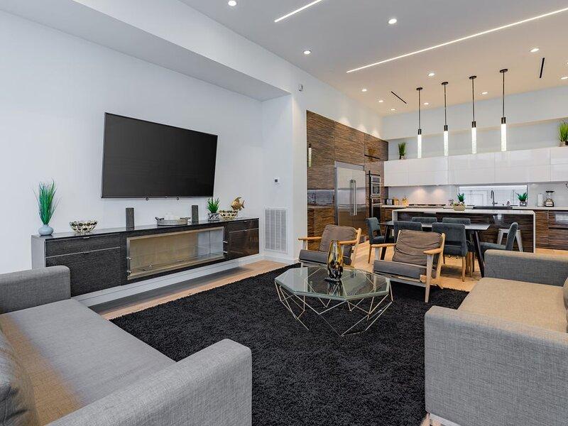 Houston Heights Luxury Retreat II, vacation rental in North Houston