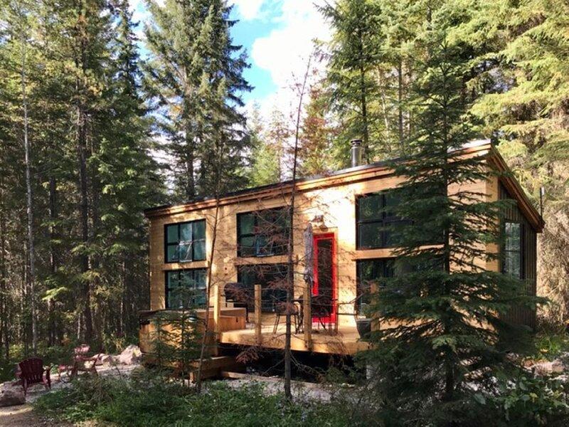 Cabin *Private HotTub* Near 6 National Parks!, location de vacances à Golden