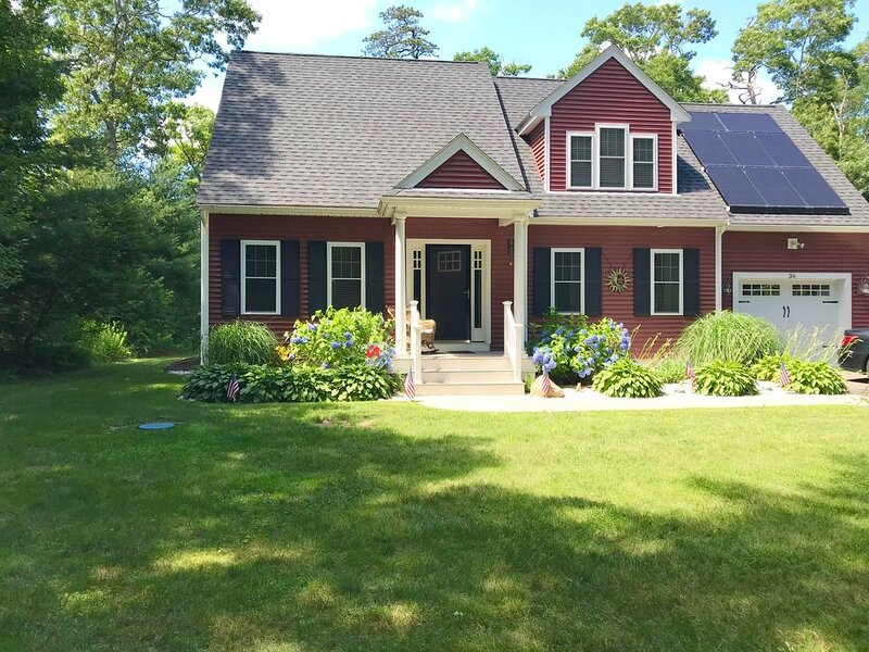 Luxurious  New 4 bedroom Get Away first time on the market!, vacation rental in Manomet