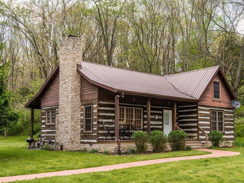 Serendipity Park Log Cabin, alquiler de vacaciones en Nashville