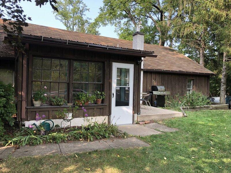 Organic Farm Cottage near Penn State, location de vacances à Beech Creek