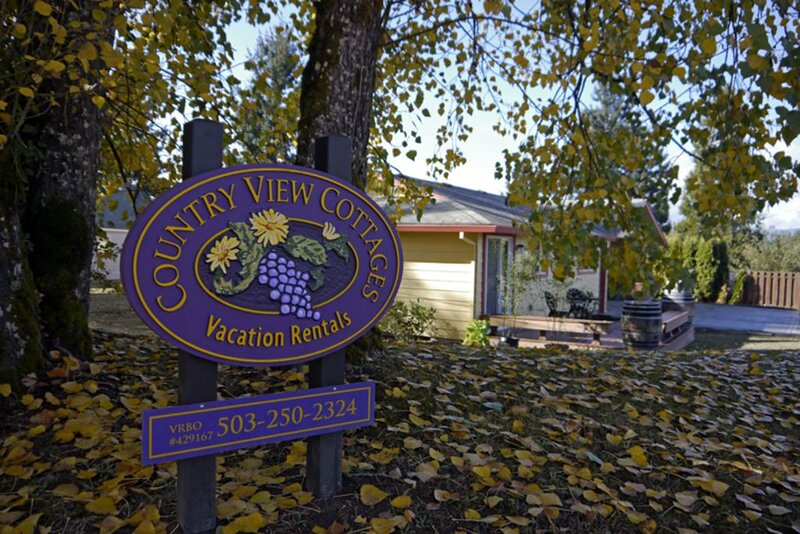 Welcome to Carlton's Country View Cottages in the heart of Oregon wine country.