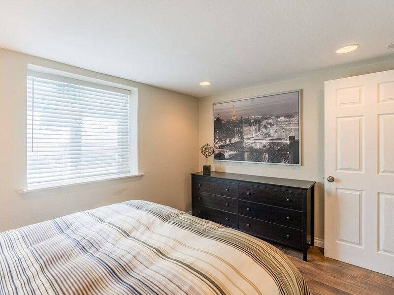 Lower Level Historic Gold Coast 'Q' house, vacation rental in Kennewick