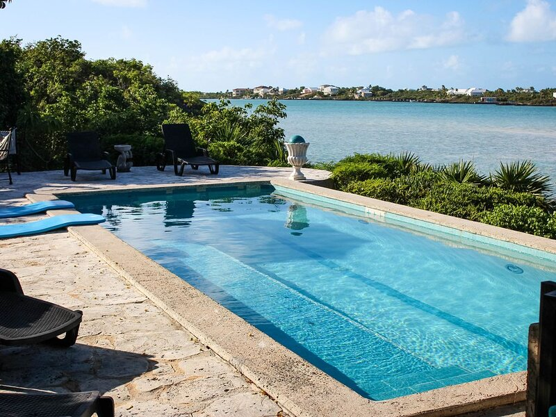 Beach facing Caribbean sea at Silly Cay inlet with lovely water views and access, vacation rental in Turtle Cove