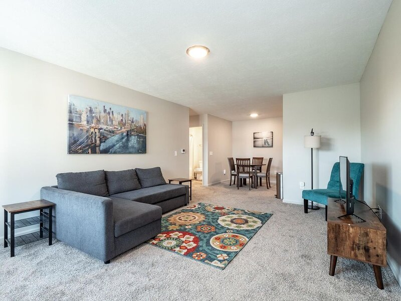 Spacious, Modern Home - Close to Sports Center- Sports Force Park- Cedar Point, vacation rental in Huron
