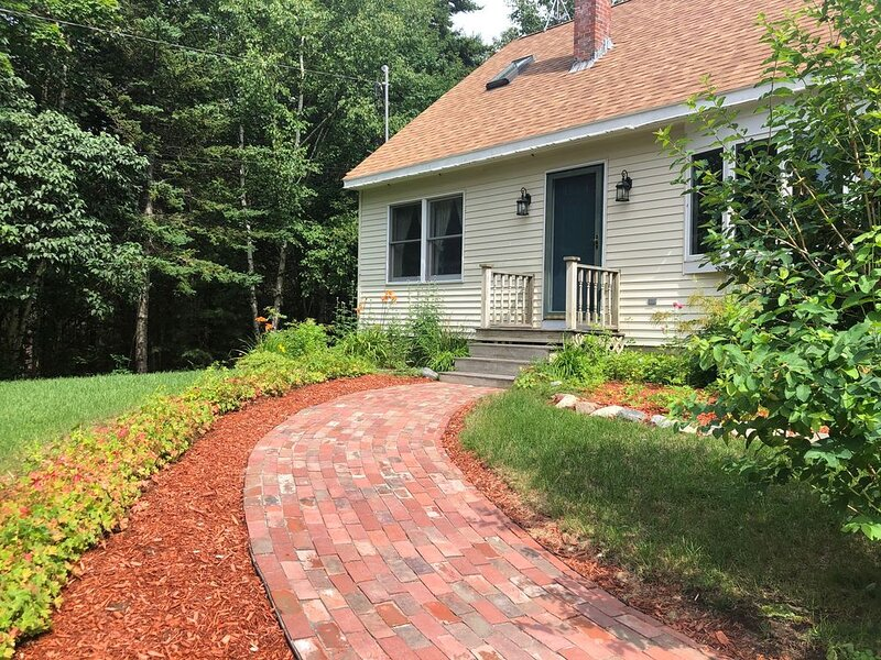 'Moss Mountain Cottage' Clean, Private, Central Mount Desert Island, alquiler de vacaciones en Bar Harbor
