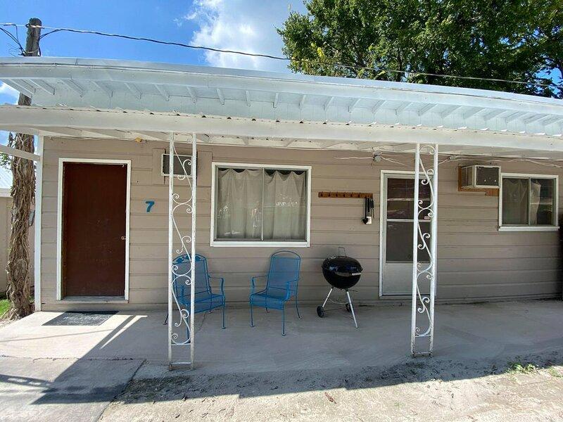 Hickory Grove Hideaway - Cabin 7, casa vacanza a Half Way