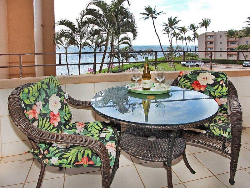 IS305 - Beautifully Upgraded Maui Oceanview Condo on Ma'alaea Bay Resort, holiday rental in Maalaea