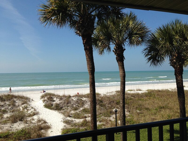 DIRECT Gulf Front! NOT Overlooking Pool! Expansive Views of Gulf North & South, holiday rental in Indian Rocks Beach