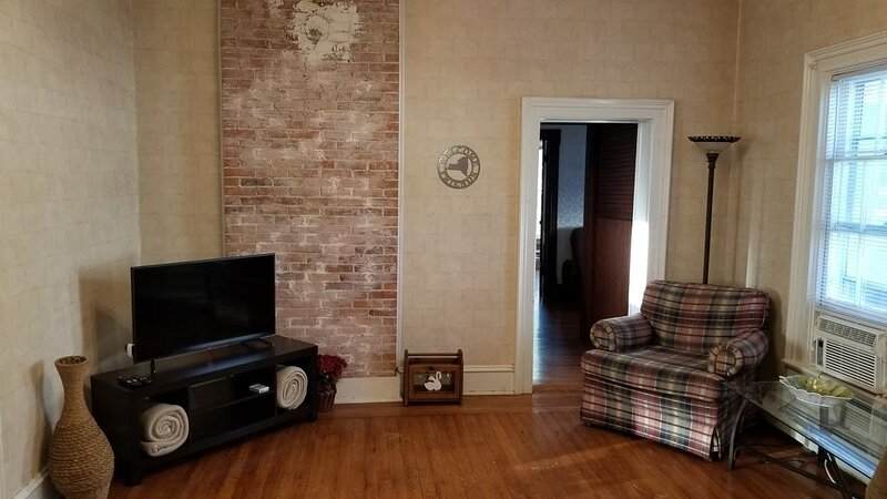 The Keuka at Red Brick Manor, location de vacances à Seneca Falls