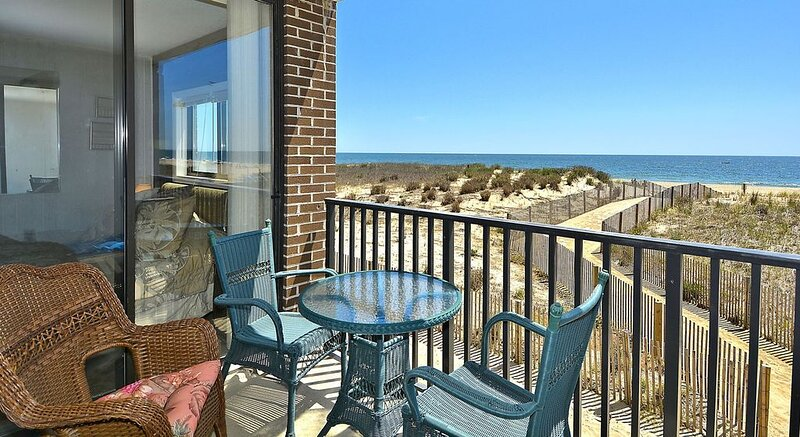 OCEAN FRONT CONDO, Open for business, alquiler de vacaciones en Ocean City