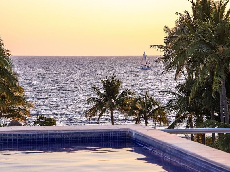Nitta 2 bedroom-Ocean and Sunset Views with large deck and small dipping pool, holiday rental in Nuevo Vallarta