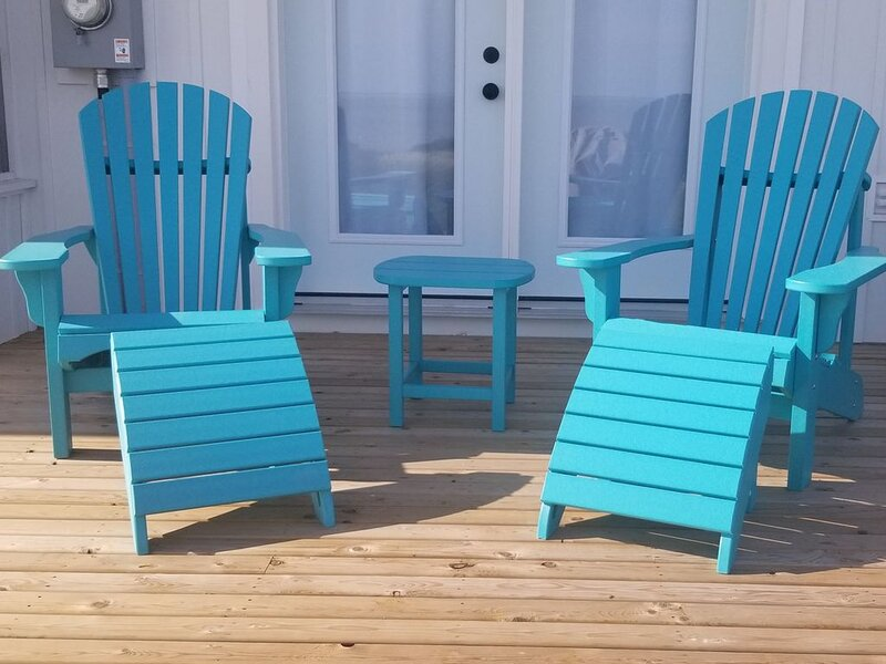 Beach House, Sleeps 12, Brand New!, vacation rental in Ellerslie
