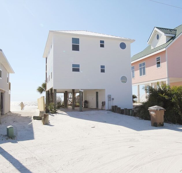 Beach Front Home on Cape San Blas, alquiler de vacaciones en Port Saint Joe