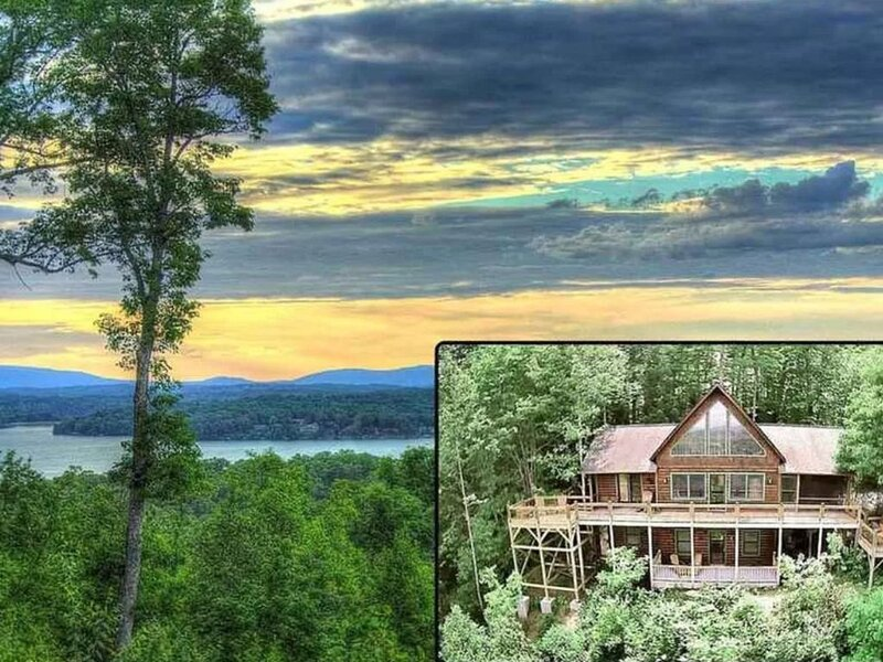 Breath Taking - Long Range Mountain Views & Lake Blue Ridge at Your Finger Tips!, alquiler de vacaciones en Morganton
