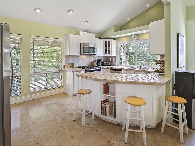 Topanga Retreat with a Huge Private Backyard, vacation rental in Bell Canyon