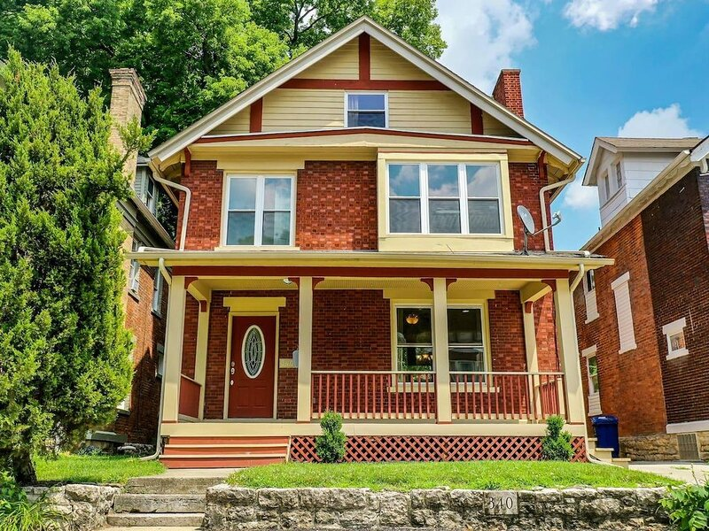 The Downtown Spacious Home, holiday rental in Gahanna