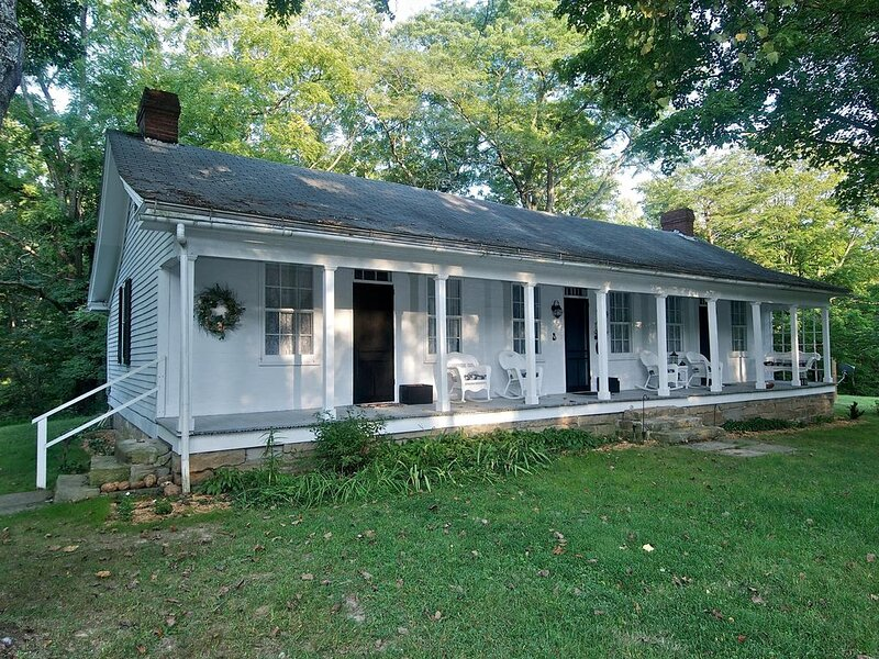 A Whispering Valley Cabin, vacation rental in Columbus