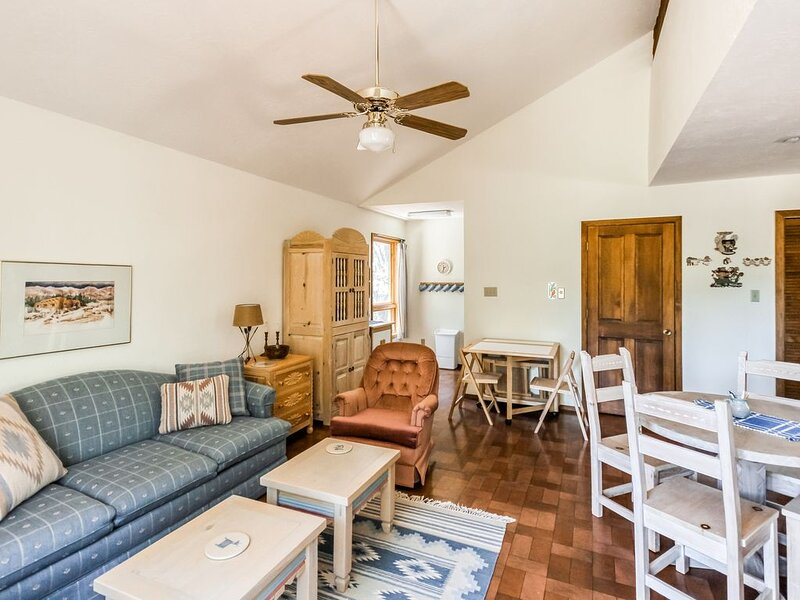 New listing! Cozy home in secluded location w/ loft & gorgeous scenery!, vacation rental in Eagle Nest