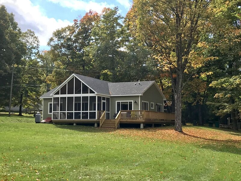 Copake Lake home near cultural attractions Of The Berkshires, holiday rental in Copake Falls