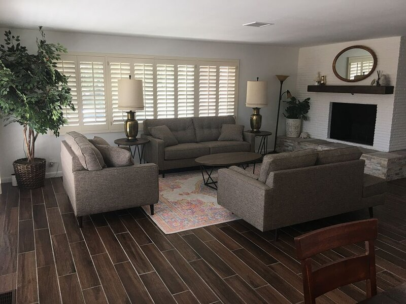 El Paso Mission Hills Super Comfortable and Clean Home w/ Plasma Air Technology, holiday rental in Santa Teresa