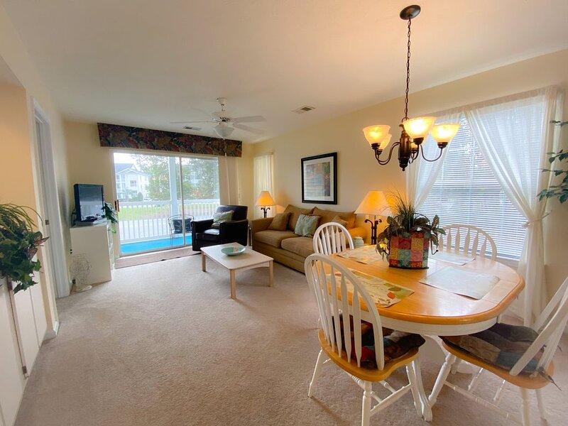 River Oaks Resort Spacious & Beautiful Golf Villa!, holiday rental in Conway