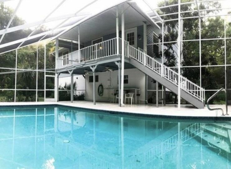 The Blue Lagoon is an absolutely oasis, one of a kind. Beautiful heated pool., holiday rental in Homosassa