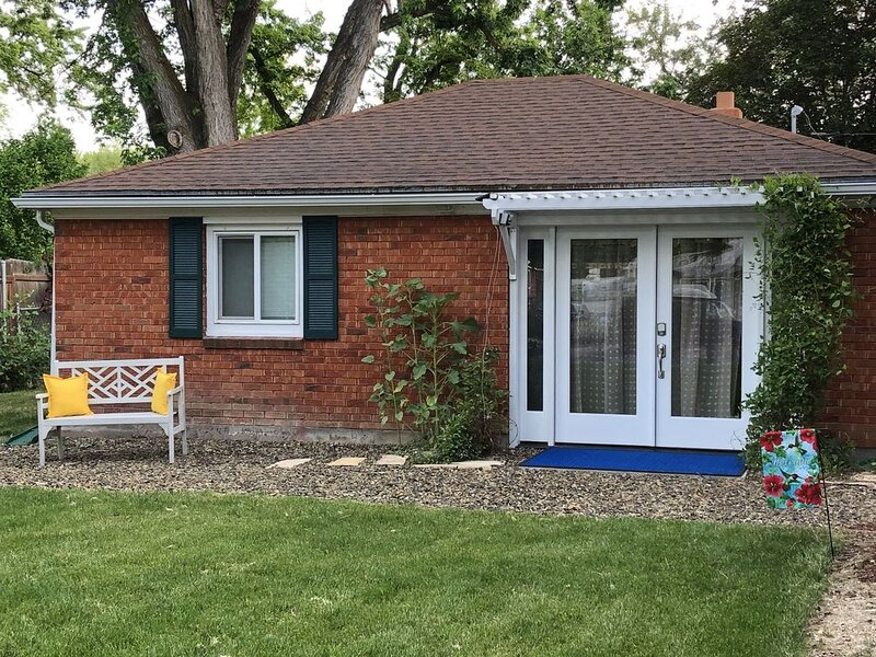 """Beautifully Updated 1 Bdrm on Boise's Bench. """"The Cottage on Dorian"""", holiday rental in Boise"""