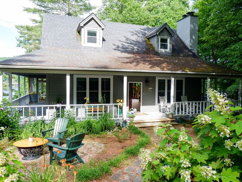 Cottage on the Point: New Listing!, alquiler de vacaciones en Glenville