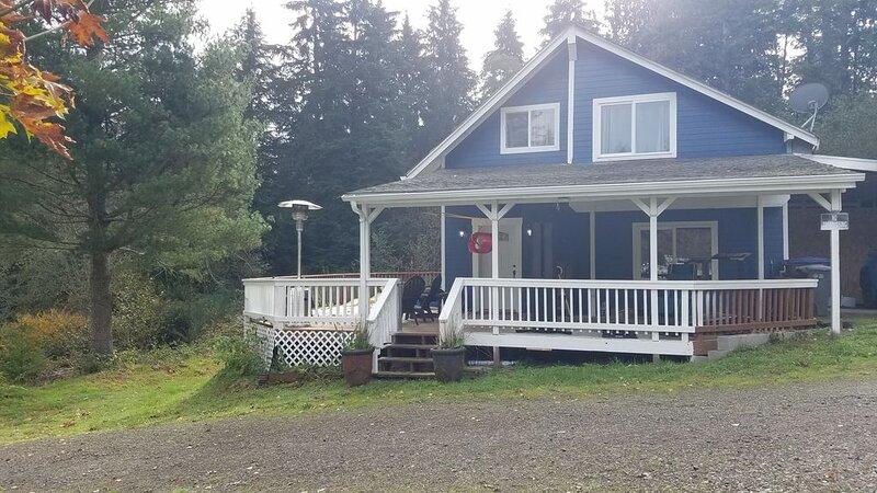 Countryish Retreat in Allyn, holiday rental in Herron Island