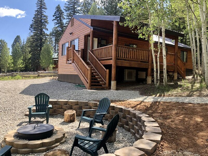Life is Better in the Woods | Advantageous Location | Adventure Awaits, casa vacanza a Duck Creek Village