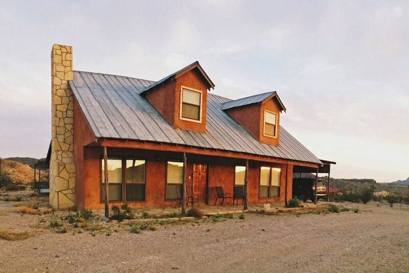 Lajitas Casa Grande: Spacious Four Bedroom Home, holiday rental in Big Bend National Park