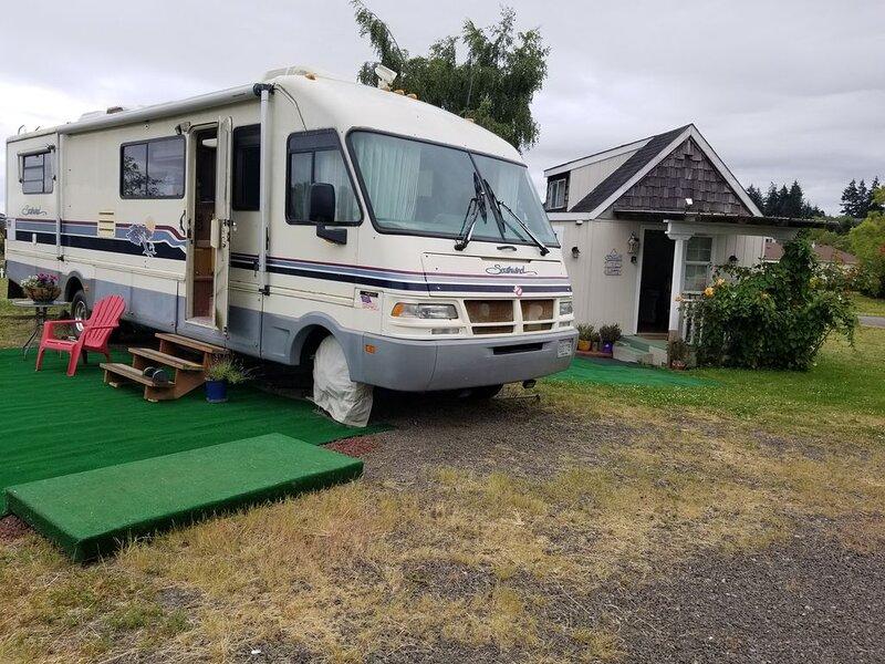 RV/Motor Home on LAVENDER FARM rd., holiday rental in Carlsborg