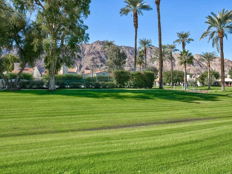 Newly Remodeled 2 Bdrm, holiday rental in La Quinta